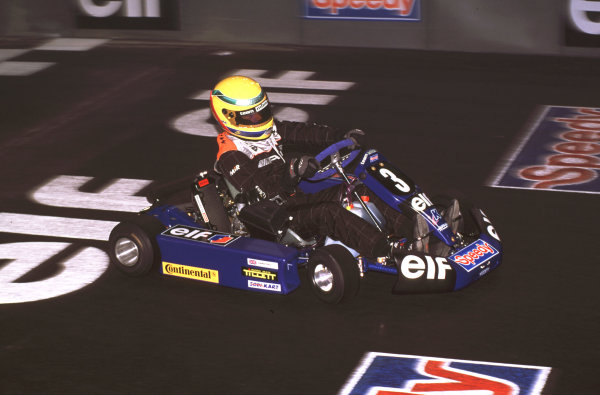 2000 Elf Masters Karting Bercy Paris, France. 10th December 2000. Lewis Hamilton in action. World Copyright: Chris Dixon/LAT Photographic