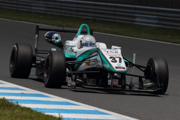 Motegi, Japan. 11th - 12th 2013. Rd 2. Race 2 - 2nd position Takamoto Katsuata ( #37 PETRONAS TEAM TOM'S ) action World Copyright: Yasushi Ishihara/LAT Photographic Ref: 2013JF3_Rd4_07