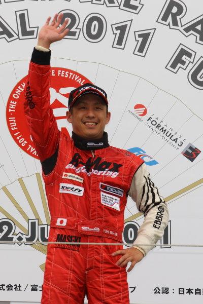 Fuji, Japan. 12th June 2011Rd 3 Winner Yuhi Sekiguchi ( #50 B-MAX ENGINEERING ), podium.World Copyright: Yasushi Ishihara/LAT Photographicref: Digital Image 2011JF3_R3_004