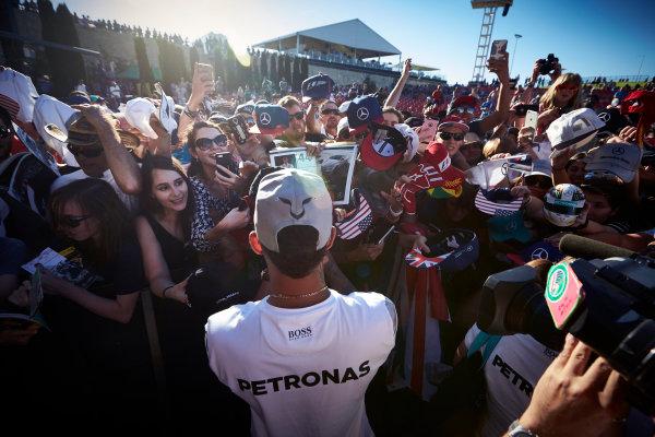 Circuit of the Americas, Austin Texas, USA. Saturday 22 October 2016. Lewis Hamilton, Mercedes AMG, signs autographs for fans. World Copyright: Steve Etherington/LAT Photographic ref: Digital Image SNE19870