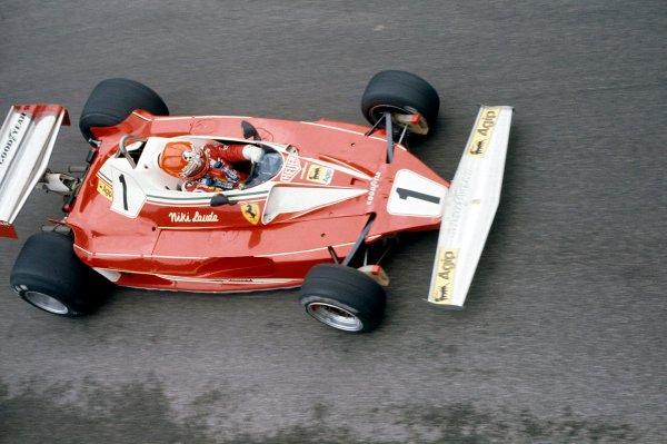 1976 Formula 1 World ChampionshipNiki Lauda (Ferrari 312 T2)World Copyright: LAT Photographic.ref: 35mm Transparency.