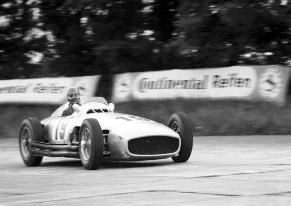 1954 German Grand Prix.Nurburgring , Germany. 30/7-1/8 1954.Karl Kling (Mercedes-Benz W196) 4th position. Ref-70-218 #22.World Copyright - LAT Photographic