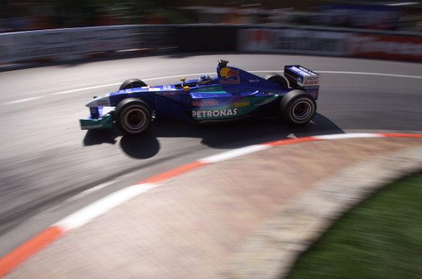 Monaco Grand Prix.Monte Carlo, Monaco.24-27 May 2001.Kimi Raikkonen (Sauber C20 Petronas) at the Grand Hairpin.World Copyright - Steve Etherington/LAT Photographicref: 17 7 mb Digital Image