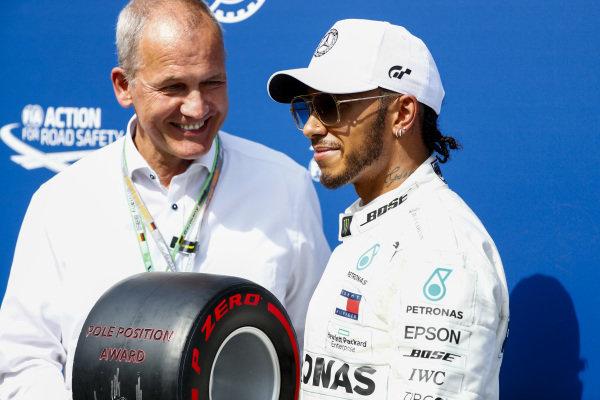 Pole Sitter Lewis Hamilton, Mercedes AMG F1 receives the Pirelli Pole Position Award