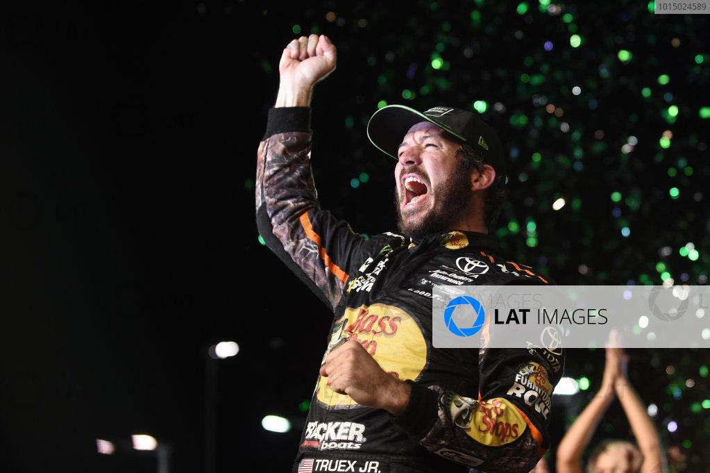 Monster Energy NASCAR Cup Series Homestead-Miami Speedway, Homestead, Florida USA Sunday 19 November 2017 2017 champion Martin Truex Jr, Furniture Row Racing, Toyota World Copyright: Rainier Ehrhardt / LAT Images ref: Digital Image DSC_1961
