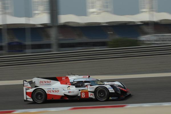 2017 FIA World Endurance Championship Rookie Test, Bahrain International Circuit, Bahrain. 19th November 2017, #8 Toyota Gazoo Racing Toyota TS050-Hybrid: Fernando Alonso (SPA)  World Copyright. JEP/LAT Images