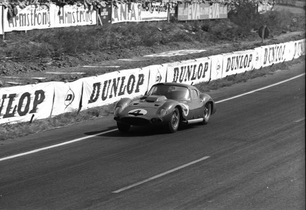Maurice Trintignant (FRA) Maserati 151/1 Coupe.Le Mans 24 Hours, Le Mans, France, 23 June 1962.