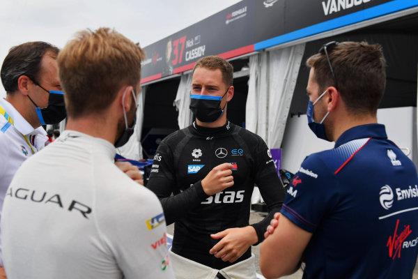 Sam Bird (GBR), Jaguar Racing, Stoffel Vandoorne (BEL), Mercedes Benz EQ, and Robin Frijns (NLD), Envision Virgin Racing