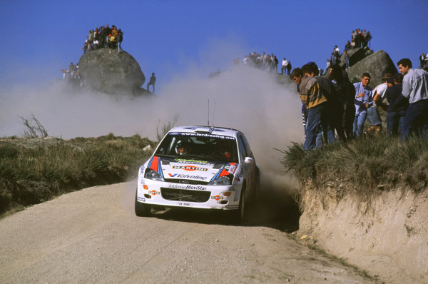 FIA World Rally ChampionshipPortuguese Rally, Porto, Portugal16-19th March 2000.Carlos Sainz and Luis Moya (Ford Focus) action.World - LAT PhotographicTel: +44 (0) 181 251 3000Fax: +44 (0) 181 251 3001e-mail: latdig@dial.pipex com