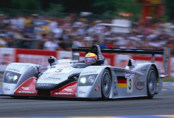 2002 Le Mans 24hr, La Sarthe, France, 15 -16 June 2002. The No.3 Audi R8 of Krumm, Werner and Peter. World Copyright: LAT Photographic Ref: 02LM45.