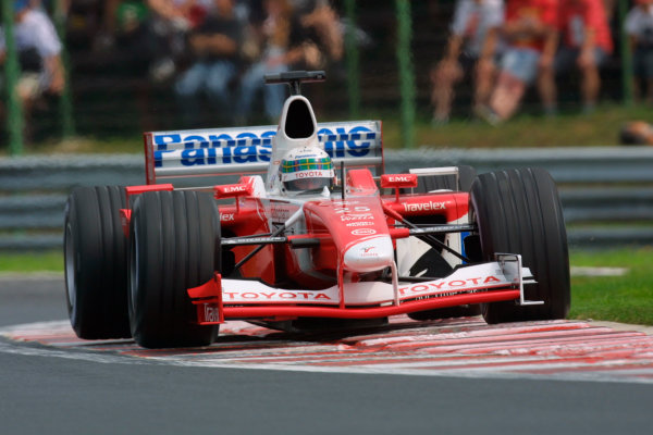2002 Hungarian Grand Prix - Friday PracticeHungaroring, Budapest, Hungary. 16th August 2002Allan McNish (Toyota TF102).World Copyright - LAT Photographicref: digital file