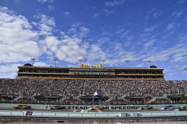 #78: Martin Truex Jr., Furniture Row Racing, Toyota Camry Bass Pro Shops/5-hour ENERGY leads