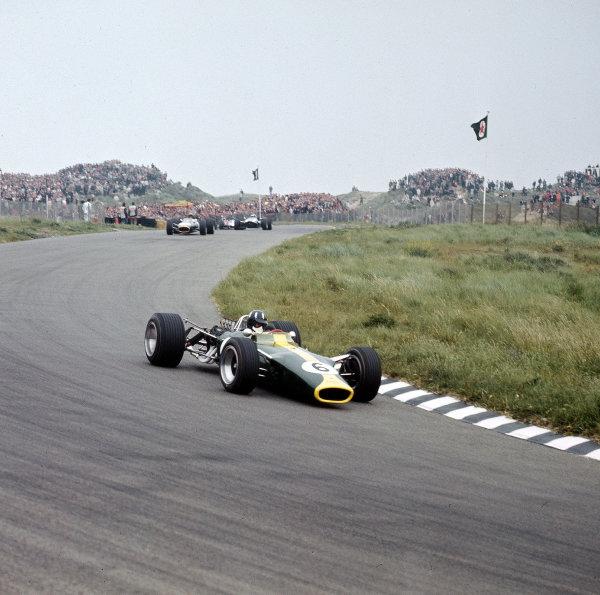 Zandvoort, Holland.2-4 June 1967.Graham Hill (Lotus 49 Ford).Ref-3/2876.World Copyright - LAT Photographic