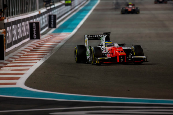 2017 FIA Formula 2 Round 11. Yas Marina Circuit, Abu Dhabi, United Arab Emirates. Saturday 25 November 2017. Sergio Sette Camara (BRA, MP Motorsport).  Photo: Zak Mauger/FIA Formula 2. ref: Digital Image _X0W8895
