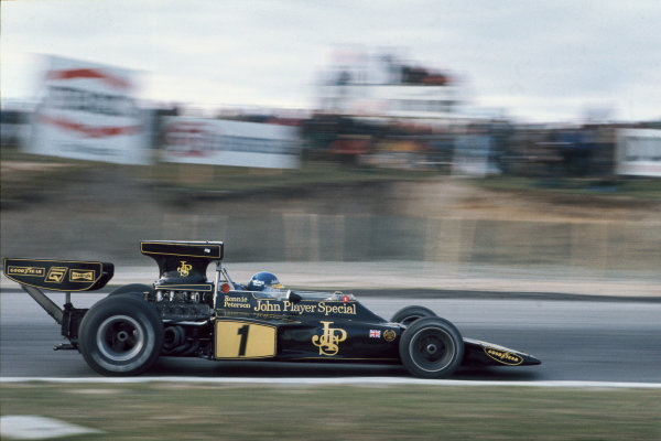 1974 Canadian Grand Prix  Mosport Park, Canada. 22 September 1974.  Ronnie Peterson, Lotus 72E Ford, 3rd position.  Ref: 74CAN04. World Copyright: LAT Photographic