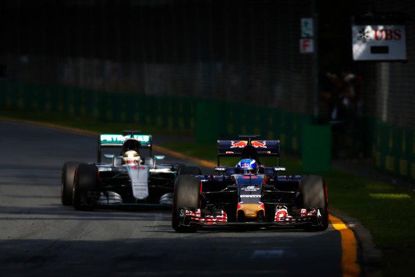 Albert Park, Melbourne, Australia. Sunday 20 March 2016. Max Verstappen, Toro Rosso STR11 Ferrari leads Lewis Hamilton, Mercedes F1 W07 Hybrid. World Copyright: Sam Bloxham/LAT Photographic ref: Digital Image _R6T3306