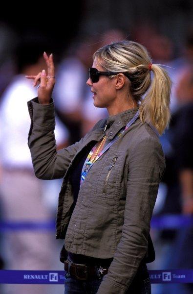 Heidi Klum (GER), international supermodel.United States Grand Prix, Rd15, Indianapolis Motor Speedway, Indianapolis, USA. 28 September 2003.BEST IMAGE