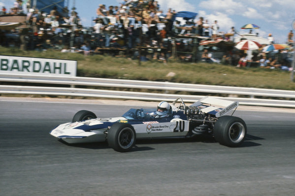 1971 South African Grand Prix.  Kyalami, South Africa. 4-6th March 1971.  John Surtees, Surtees TS9 Ford.  Ref: 71SA12. World Copyright: LAT Photographic