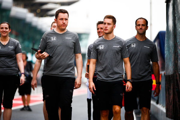 Sepang International Circuit, Sepang, Malaysia. Thursday 28 September 2017. Stoffel Vandoorne, McLaren, takes a walk of the circuit. World Copyright: Andy Hone/LAT Images  ref: Digital Image _ONY1124