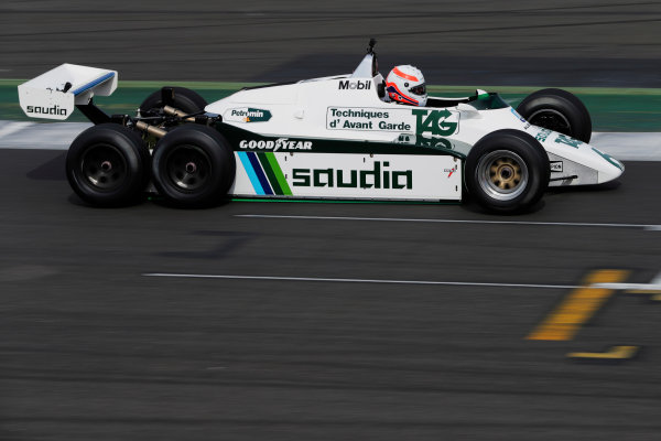 Williams 40 Event Silverstone, Northants, UK Friday 2 June 2017. Marin Brundle tests the six-wheeled FW08. World Copyright: Zak Mauger/LAT Images ref: Digital Image _54I0326
