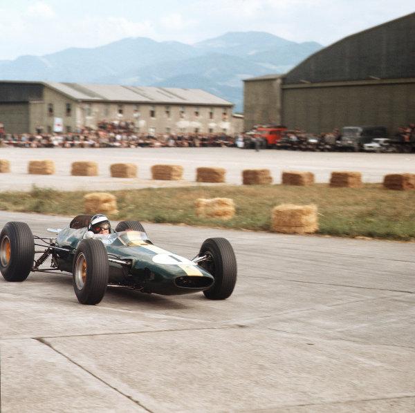 Zeltweg, Austria.21-23 August 1964.Jim Clark (Lotus 33 Climax).Ref-3/1389.World Copyright - LAT Photographic