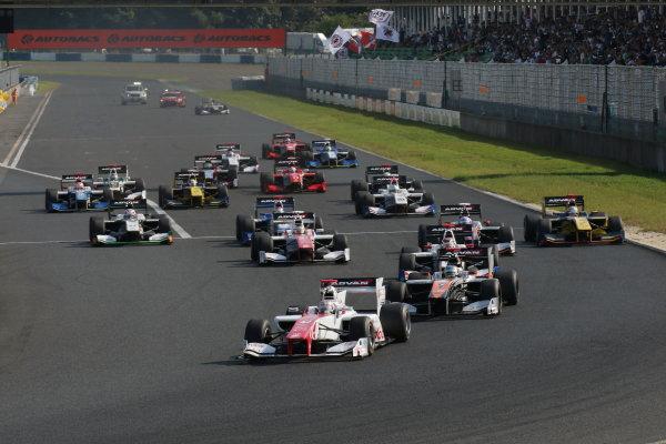 2016 Japanese Super Formula. Okayama, Japan.  Sunday 11 September 2016. Rd 5. Start of the race2 action World Copyright: Yasushi Ishihara/LAT Photographic Ref : 2016SF_Rd5_R2_002