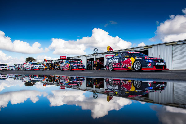 2017 Supercars Championship Round 5.  Winton SuperSprint, Winton Raceway, Victoria, Australia. Friday May 19th to Sunday May 21st 2017. Shane Van Gisbergen drives the #97 Red Bull Holden Racing Team Holden Commodore VF. World Copyright: Daniel Kalisz/LAT Images Ref: Digital Image 200517_VASCR5_DKIMG_5118.NEF