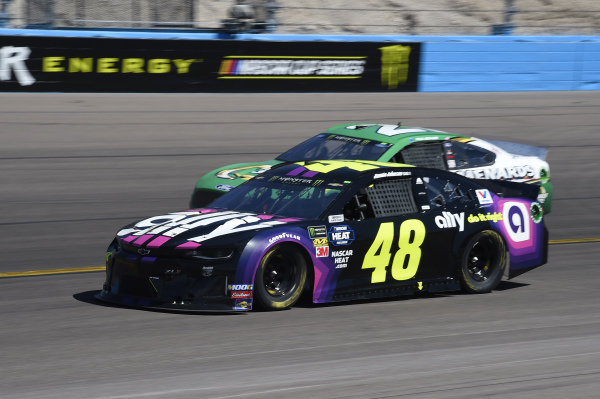 #48: Jimmie Johnson, Hendrick Motorsports, Chevrolet Camaro Ally, #21: Paul Menard, Wood Brothers Racing, Ford Mustang Menards / Quaker State