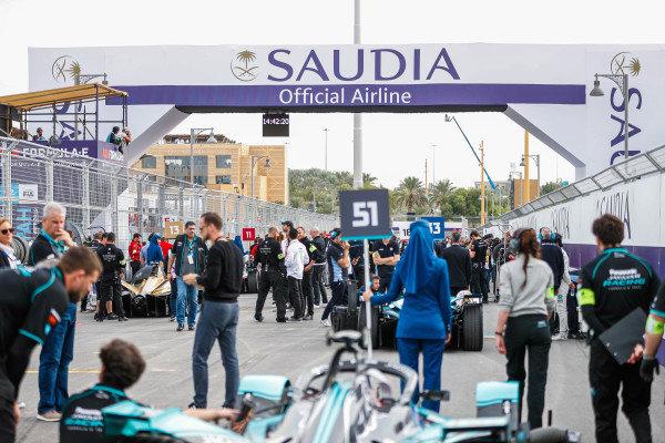 Grid from behind James Calado (GBR), Panasonic Jaguar Racing, Jaguar I-Type 4
