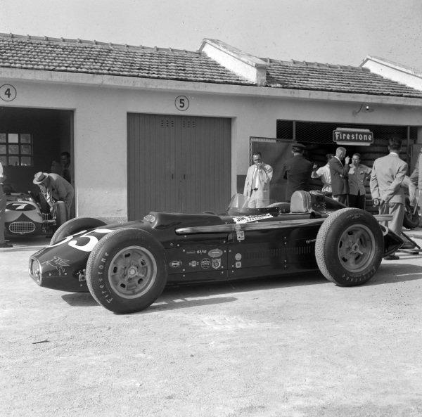 Eddie Sachs' Jim Robbins Racing-entered Kurtis Kraft 500G Offenhauser.