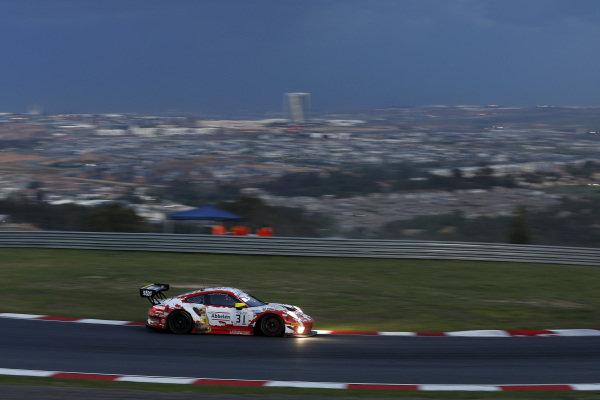 #31 Frikadelli Racing Team Porsche 911 GT3 R: Dennis Olsen, Mathieu Jaminet, Nick Tandy.