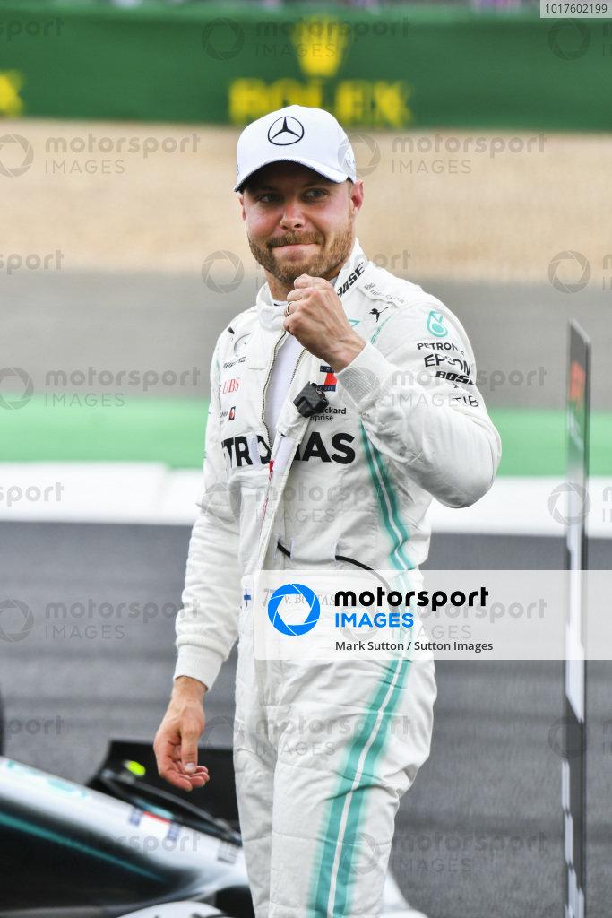 Ple sitter Valtteri Bottas, Mercedes AMG F1 celebrates in Parc Ferme