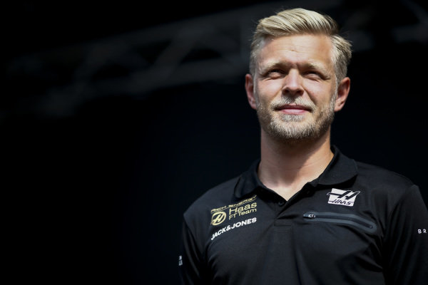 Kevin Magnussen, Haas F1 n stage in the fan zone