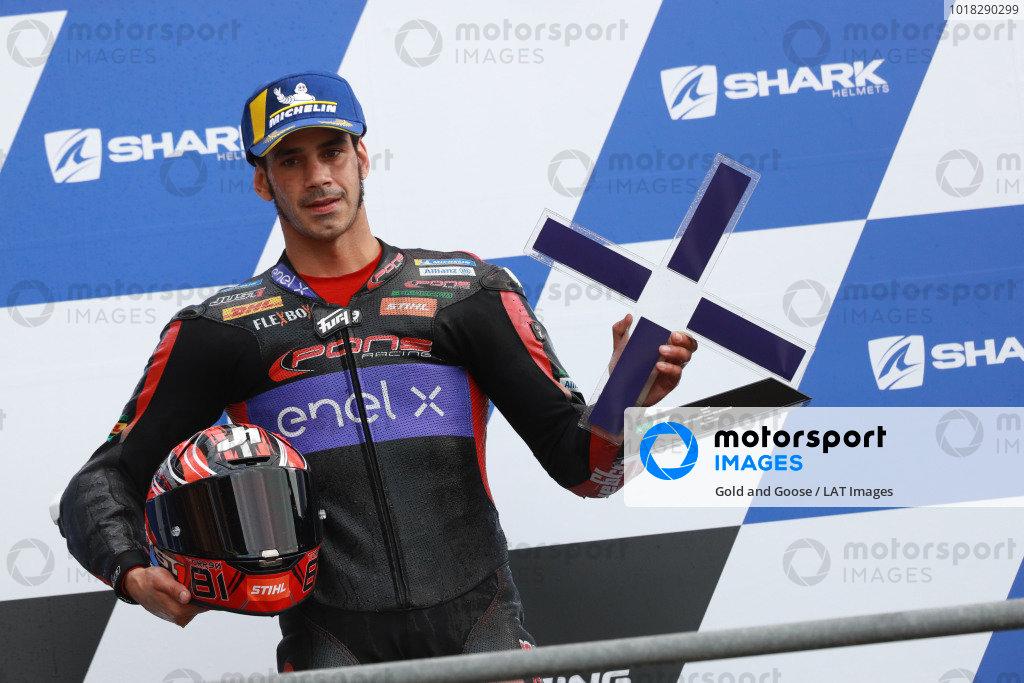 Race winner Jordi Torres, Pons Racing 40.
