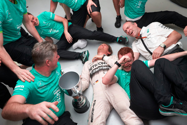 Interlagos, Sao Paulo, Brazil. Sunday 15 November 2015. Nico Rosberg, Mercedes AMG, 1st Position, and the Mercedes team celebrate victory. World Copyright: Steve Etherington/LAT Photographic ref: Digital Image SNE13219
