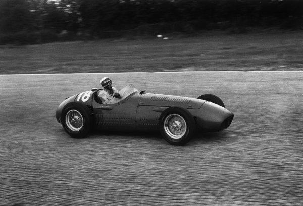 Monza, Italy. 5th September 1954.Sergio Montovani (Maserati 250F), 9th position, action. World Copyright: LAT Photographic.Ref:  B/W Print.