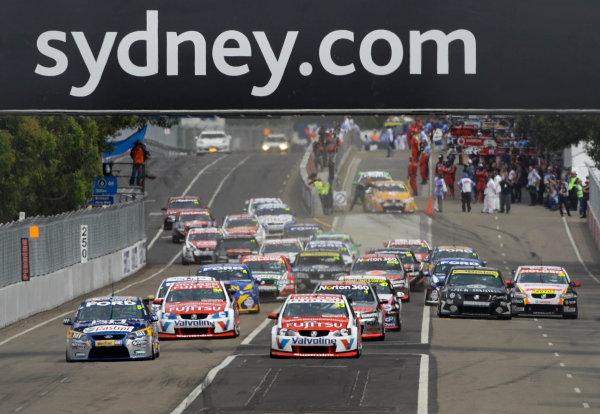 Homebush Street Circuit, Sydney, New South Wales.4th - 5th December 2010.Race 1 start during the Sydney Telstra 500 Grand Finale.World Copyright: Mark Horsburgh/LAT Photographicref: Digital Image V8Race-EV14-10-00796