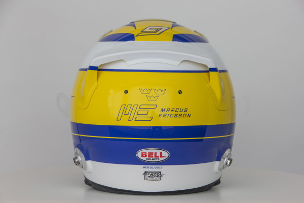 Sauber C34 Reveal. Hinwil, Switzerland. Thursday 29 January 2015. Helmet of Marcus Ericsson. Photo: Sauber F1 Team (Copyright Free FOR EDITORIAL USE ONLY) ref: Digital Image Sauber_2015_Helmet_32