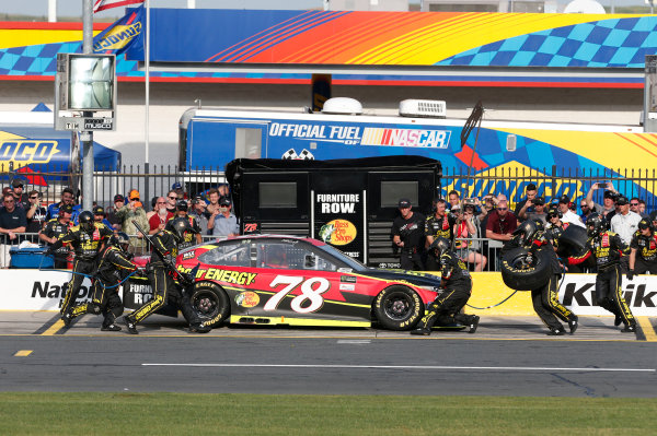 Monster Energy NASCAR Cup Series Monster Energy NASCAR All-Star Race Charlotte Motor Speedway, Concord, NC USA Friday 19 May 2017 Martin Truex Jr, Furniture Row Racing, 5-hour Energy Extra Strength Toyota Camry World Copyright: Matthew T. Thacker LAT Images ref: Digital Image 17CLT1mt1358