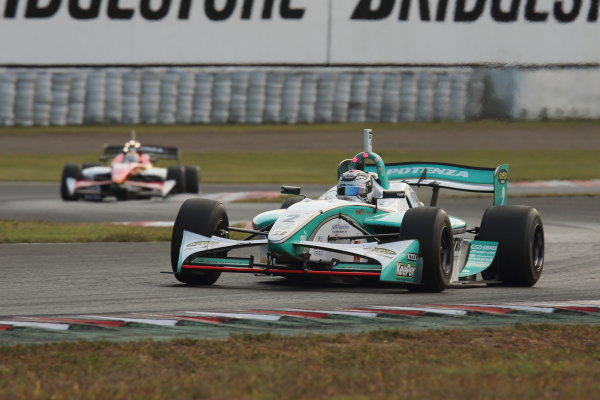 Sportsland Sugo, Japan. 28th - 29th September 2013. Rd 5. 2nd position Andre Lotterer ( #2 PETRONAS TEAM TOM'S ) action World Copyright: Yasushi Ishihara/LAT Photographic. Ref: 2013SF_Rd6_014