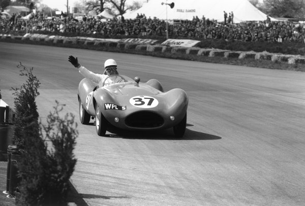 Silverstone, England. 7th May 1955.Stirling Moss (Beart-Rodger-Climax), Last position, action.World Copyright: LAT Photographic.Ref: 5646E - 26A.