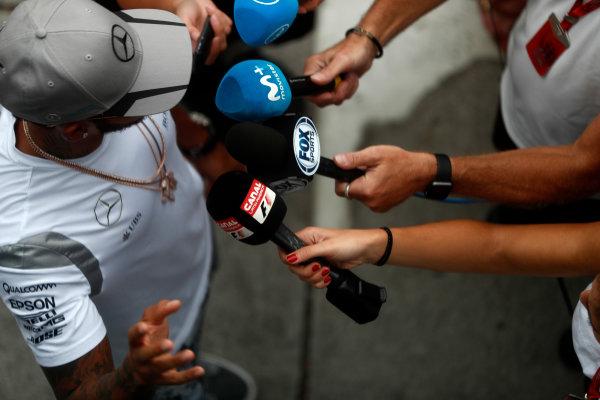 Sepang International Circuit, Sepang, Malaysia. Thursday 29 September 2016. Lewis Hamilton, Mercedes AMG talks to the media. World Copyright: Glenn Dunbar/LAT Photographic ref: Digital Image _31I7778