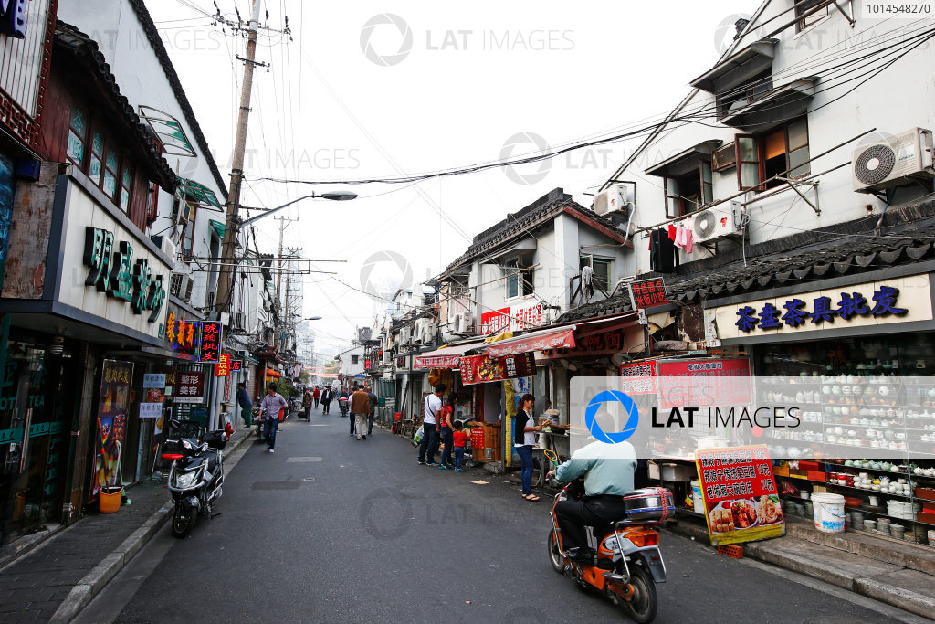 Shanghai International Circuit, Shanghai, China. Wednesday 13 April 2016. A street in Shanghai. World Copyright: Sam Bloxham/LAT Photographic ref: Digital Image _L4R2263