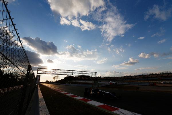 Circuit de Catalunya, Barcelona, Spain Thursday 25 February 2016. Kevin Magnussen, Renault RE16. World Copyright: Sam Bloxham/LAT Photographic ref: Digital Image _SBL8642