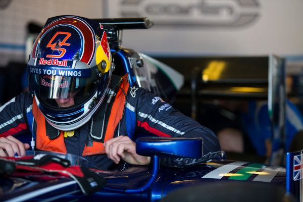 2015 GP2 Series Test 3. Yas Marina Circuit, Abu Dhabi, United Arab Emirates. Thursday 3 December 2015. Dean Stoneman (GBR, Carlin)  World Copyright: Sam Bloxham/LAT Photographic. ref: Digital Image _SBL1757