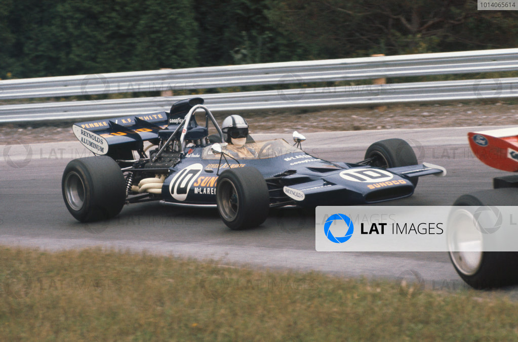 1971 Canadian Grand Prix.  Mosport, Canada. 17-19th September 1971.  Mark Donohue, McLaren M19A Ford, 3rd position.  Ref: 71CAN02. World Copyright: LAT Photographic