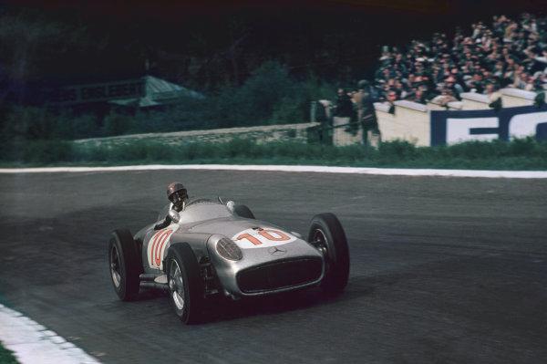 Spa-Francorchamps, Belgium. 3-5 June 1955. Juan Manuel Fangio, Mercedes-Benz W196, 1st position. Ref: 55BEL05. World copyright - LAT Photographic