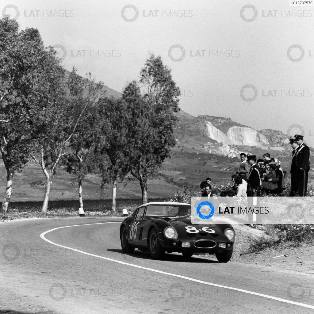 Little Madonie Circuit, Sicily, Italy. 6th May 1962. Rd 5.Giorgio Scarlatti/Pietro Ferraro (Ferrari 250 GTO), 4th position, action. World Copyright: LAT Photographic.Ref: 13018.
