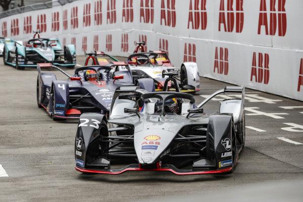 Sébastien Buemi (CHE), Nissan e.Dam, Nissan IMO1 leads  Robin Frijns (NLD), Envision Virgin Racing, Audi e-tron FE05 and Daniel Abt (DEU), Audi Sport ABT Schaeffler, Audi e-tron FE05