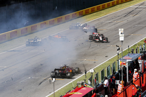 Kevin Magnussen, Haas VF-20 and Carlos Sainz, McLaren MCL35 crash